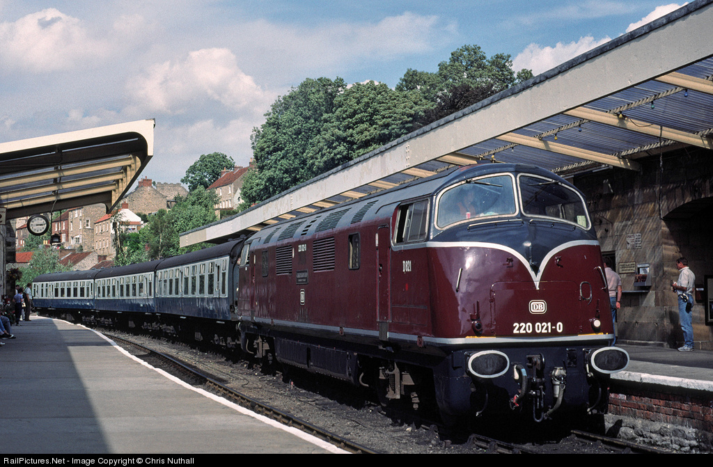 british railways class 42 number d821 in deutsche bundesbahn livery these locomotives were. Black Bedroom Furniture Sets. Home Design Ideas