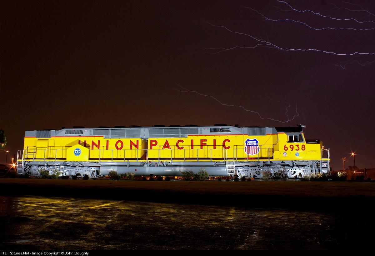 Net Photo: UP 6938 Union Pacific EMD DD40X at Little Rock, Arkansas by John  Doughty