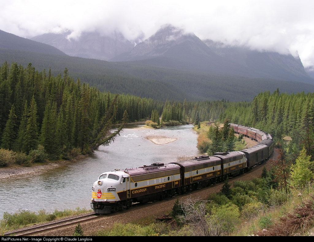 http://www.railpictures.net/images/d1/5/8/8/4588.1064417340.jpg