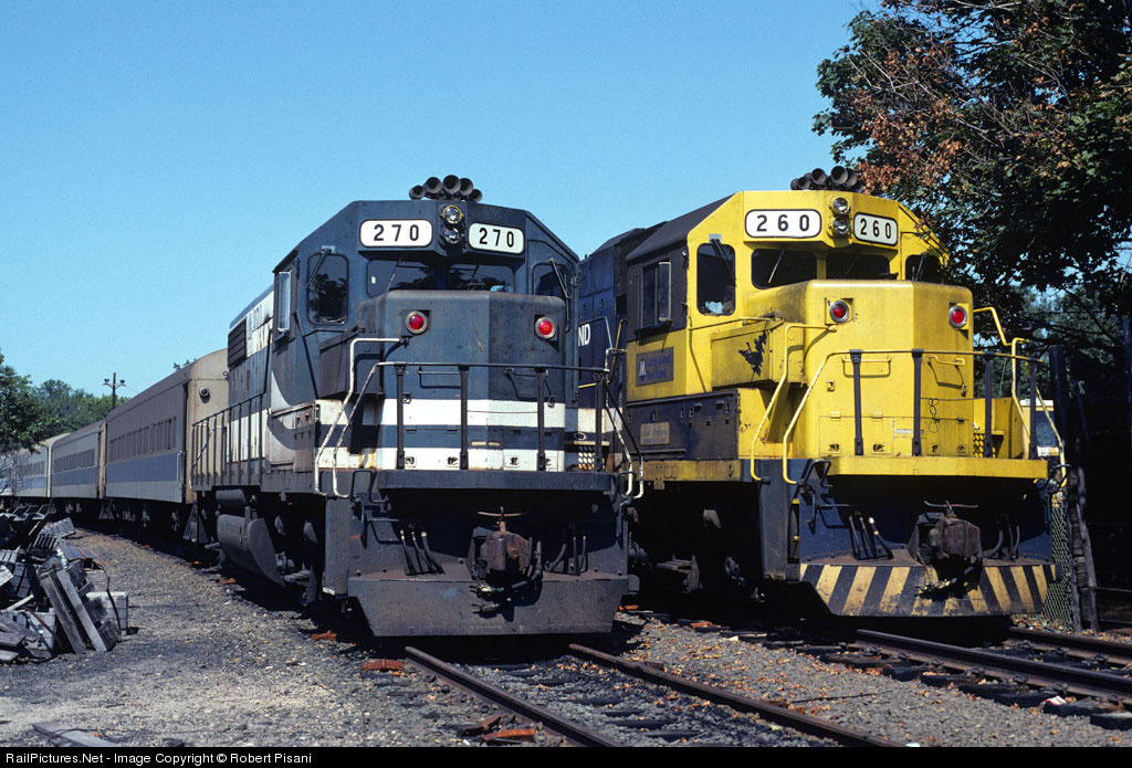 http://www.railpictures.net/images/d1/6/6/3/9663.1256226300.jpg