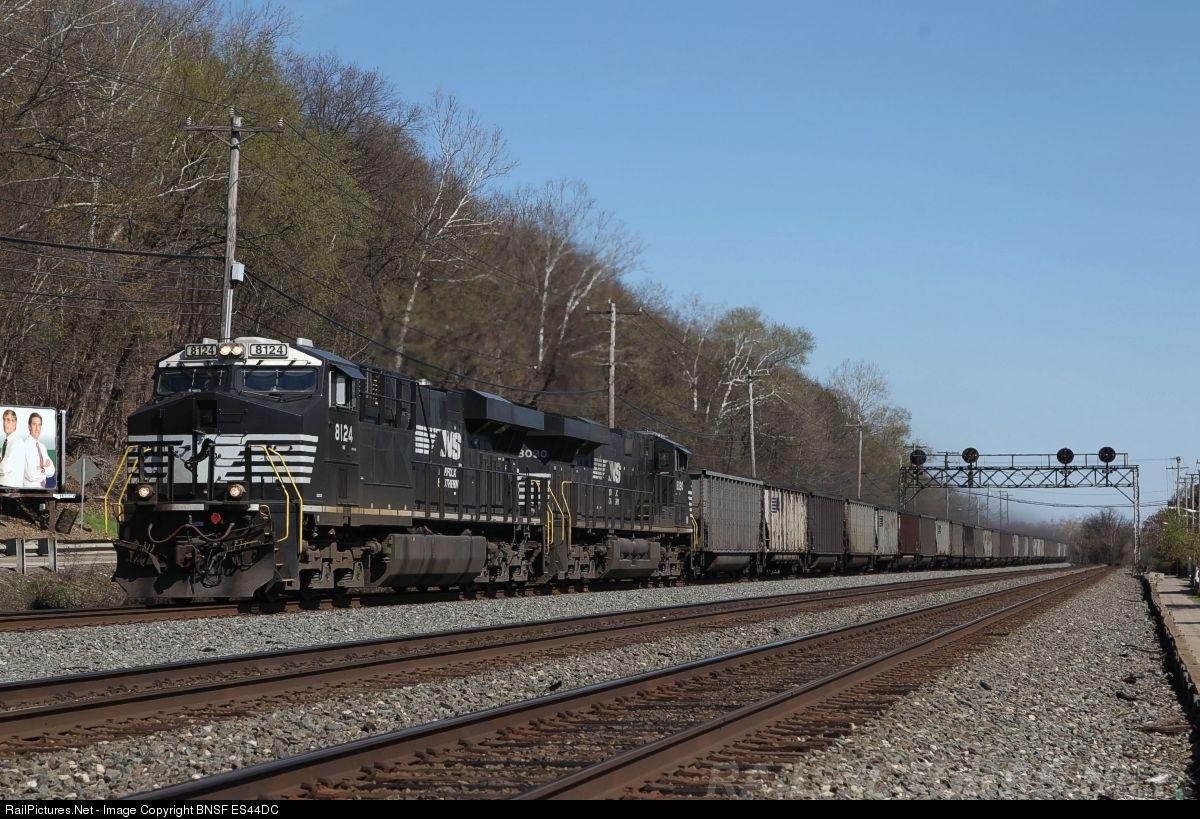 RailPictures Net Photo: NS 8124 Norfolk Southern GE ES44AC