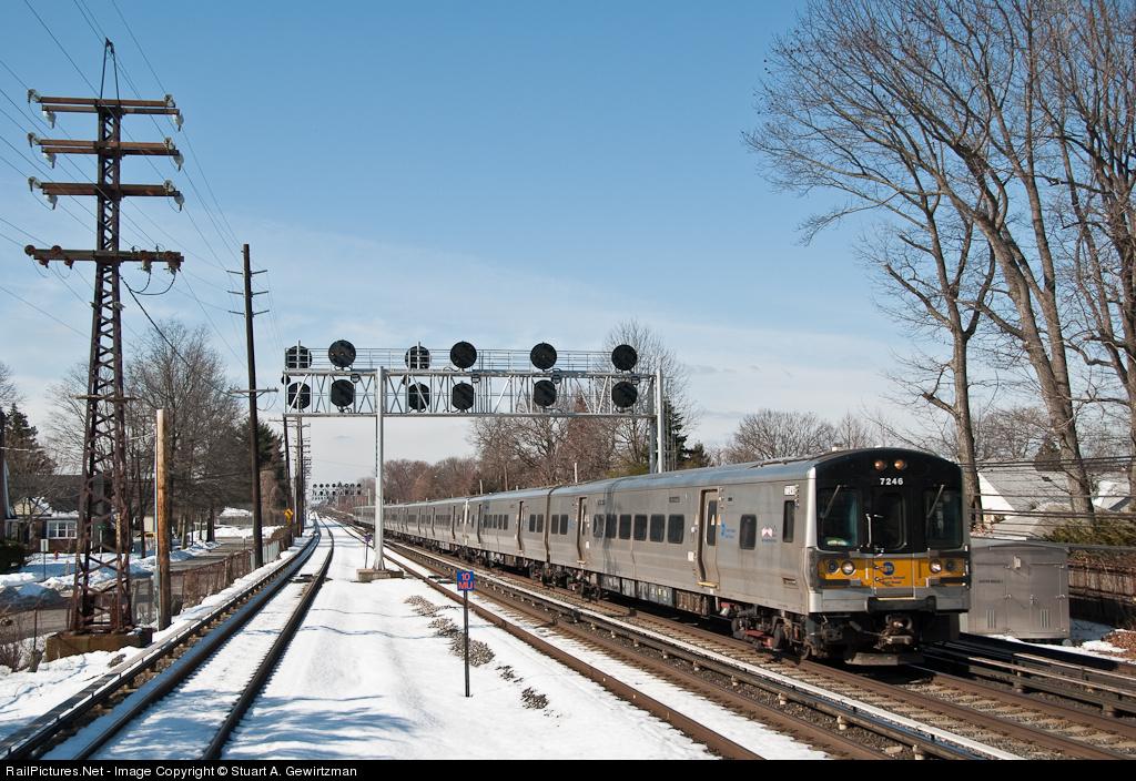 http://www.railpictures.net/images/d1/7/1/0/3710.1266889223.jpg