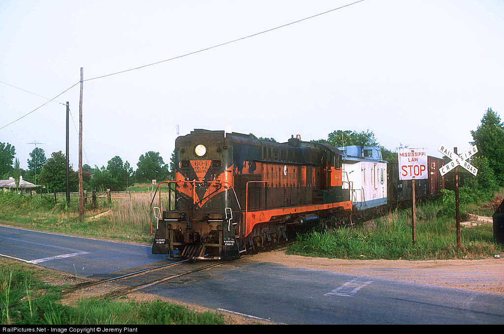 Mississippi Railroad Crossing STOP Law?