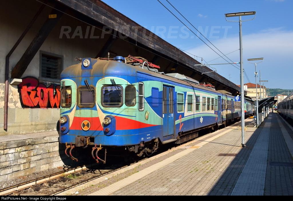 arezzo chiusi italy train - photo#6