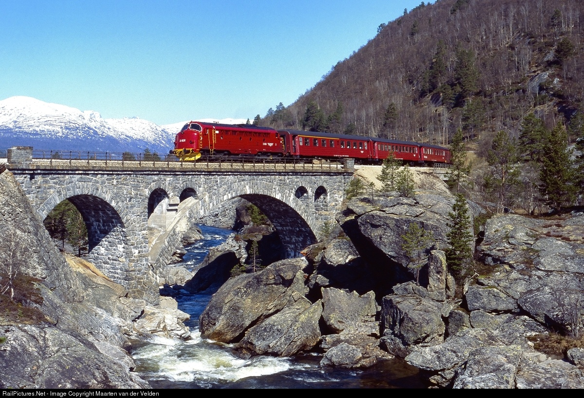 ndalsnes dating site Visit norway and sweden june 2020  from there we will travel on to røros an enchanting high mountain mining village with many buildings dating from the 1600's.