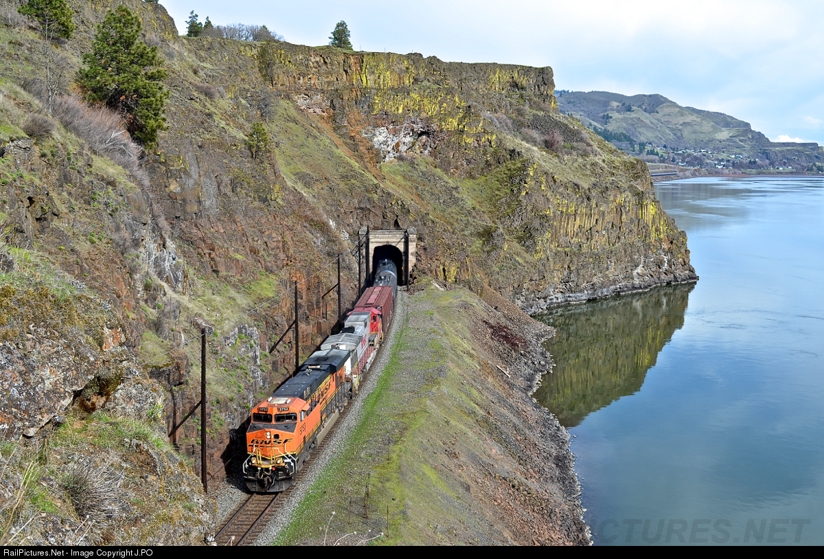 RailPictures Net Photo: BNSF 5753 BNSF Railway GE ES44AC at