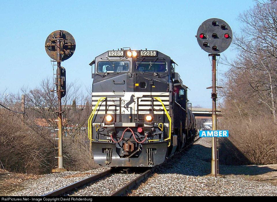 http://www.railpictures.net/viewphoto.php?id=512523&nseq=128