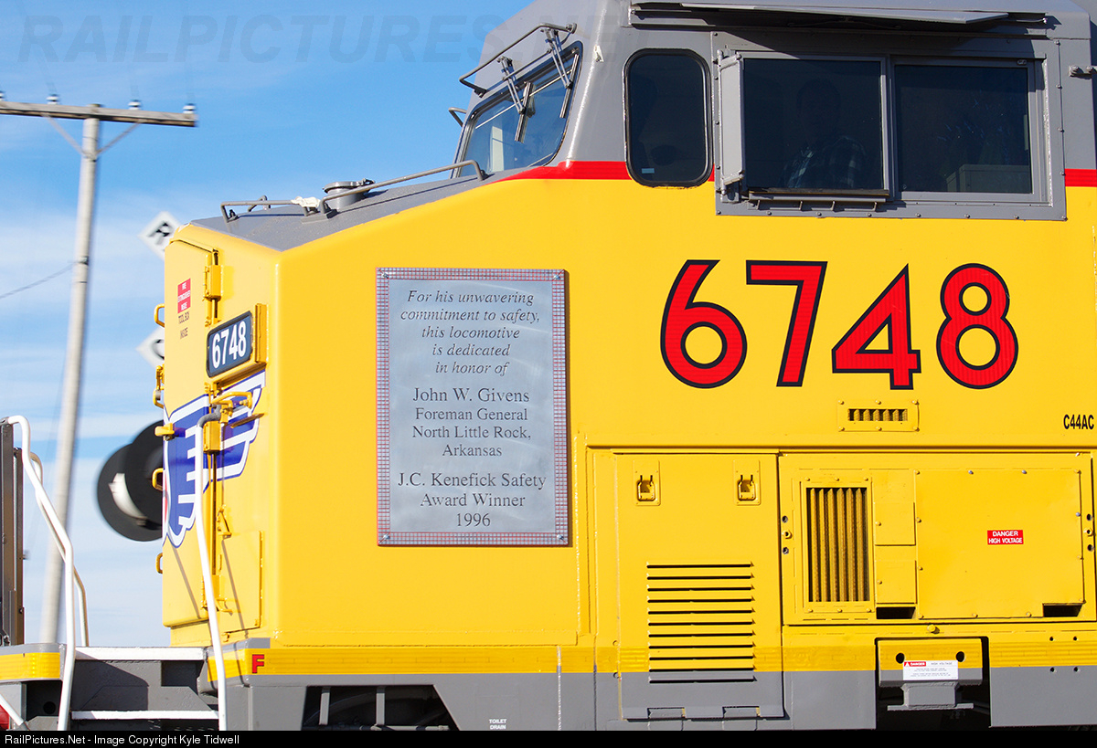 Net Photo: UP 6748 Union Pacific GE AC4400CW at Fulton, Illinois by Kyle  Tidwell