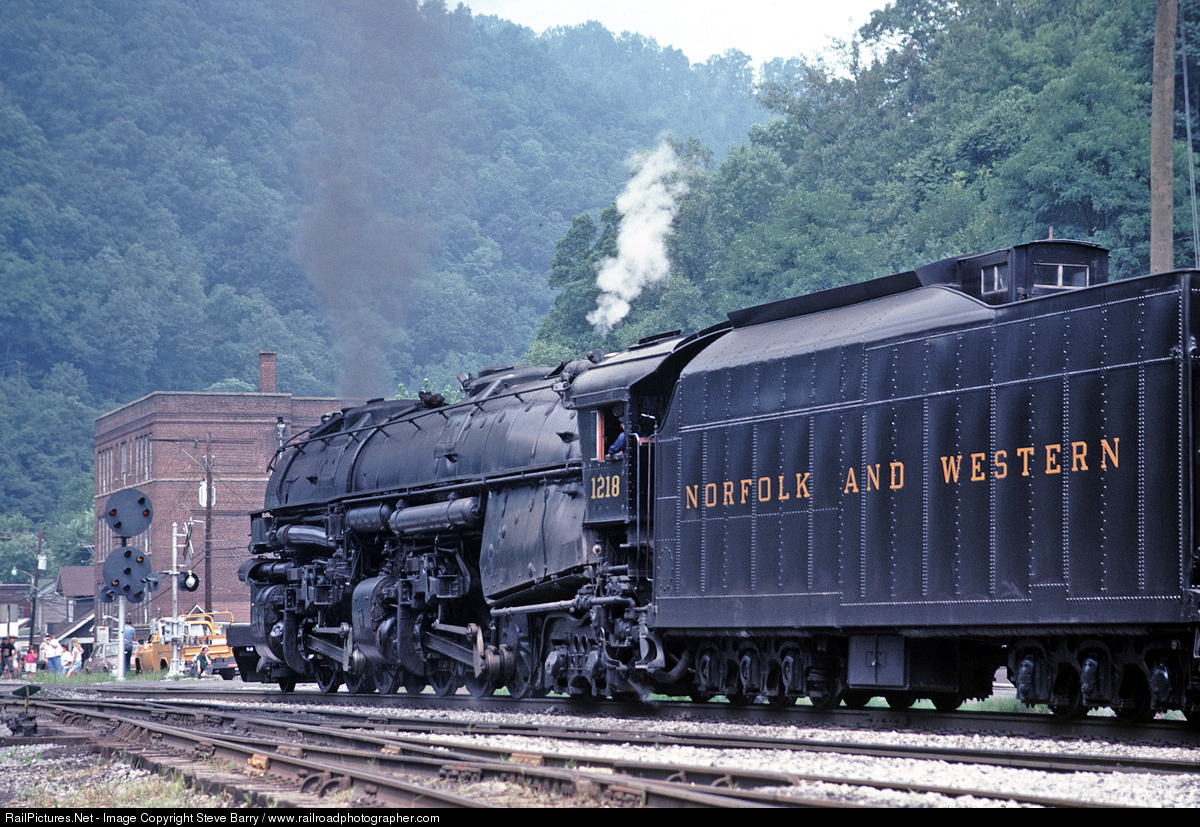 http://www.railpictures.net/viewphoto.php?id=489195&nseq=1461
