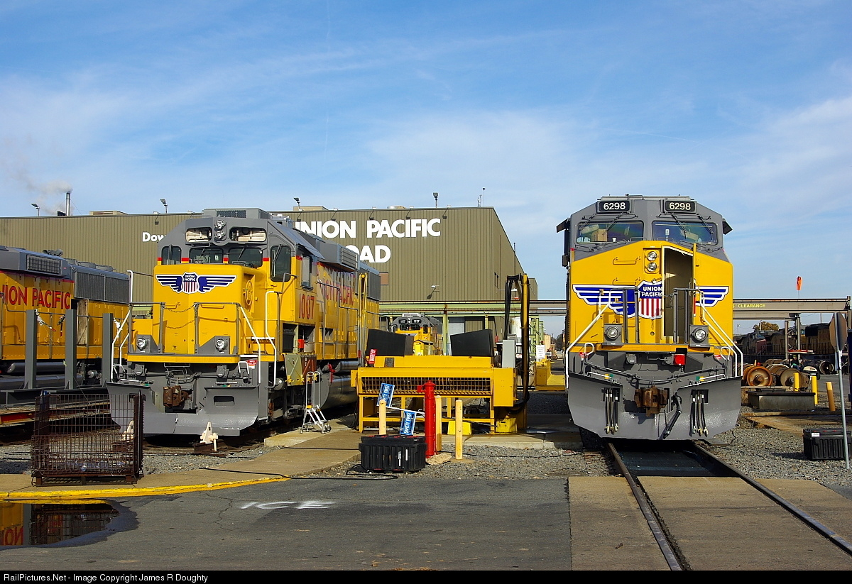 Net Photo UP 1117 6298 Union Pacific GE AC4400CW At Little Rock Arkansas By James R Doughty