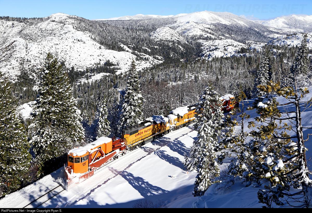 Donner Pass Snow >> 5650.1484405793.jpg